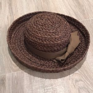 Brown kaminski hat with bow